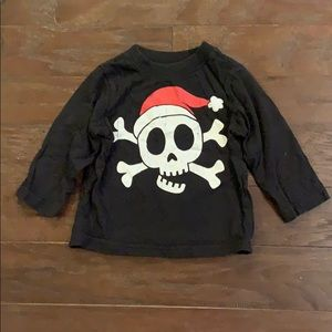 5 items/ $15 - Christmas Skull T-Shirt